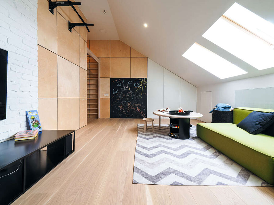 You have to see this modern child-friendly living room! Living room inspiration